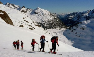 Tamaño de grupo ideal para ir a la montaña invernal